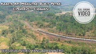 Video Mengikuti Jalannya Kereta Api Menuruni Bukit Menggunakan Drone. MP3, 3GP, MP4, WEBM, AVI, FLV Agustus 2019