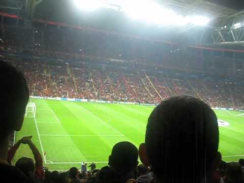 Video Galatasaray - Manchester Unitied - Avrupa Avrupa Duy Sesimizi download in MP3, 3GP, MP4, WEBM, AVI, FLV January 2017