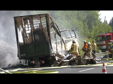Γερμανία: Συνταξιούχοι απανθρακώθηκαν σε φλεγόμενο λεωφορείο