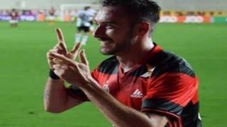 Curtam nossa página: http://www.facebook.com/LeandroSportsVideos Flamengo vence o Atlético-PR com letra de Mancuello e dorme na liderança Equipe carioca joga...
