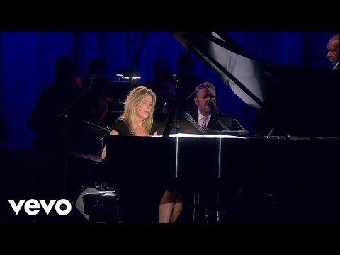 Diana Krall - Walk On By (Live) online metal music video by DIANA KRALL