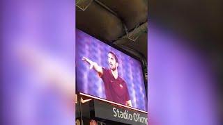 Video Prima il silenzio poi i cori: il toccante ricordo dell'Olimpico per Davide Astori MP3, 3GP, MP4, WEBM, AVI, FLV Maret 2018