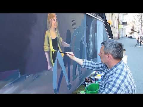 Wideo1: Powstaje mural przy MBP w Lesznie