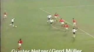Günther Netzer trifft nach Doppelpass mit Gerd Müller