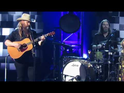 Video Chris Stapleton 51st CMA Awards 2017 Broken Halos Nashville download in MP3, 3GP, MP4, WEBM, AVI, FLV January 2017