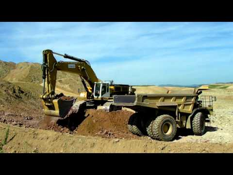 CAT 390DLME VCT and CAT 773 VCT on A89