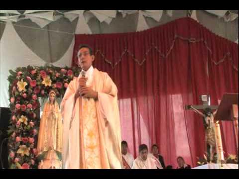 Viviendo En Comunion -  Padre Carlos Cancelado