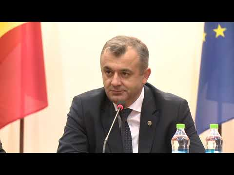 Igor Dodon i-a prezenentat pe noul prim-ministru, ministrul Afacerilor Interne, ministrul Finanţelor și ministrul Apărării angajaților instituțiilor de resort