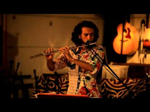 CARIOCA - Carioca Trio Magic Performance In The-Zone, Tel-aviv, Israel Carioca Freitas : Voice, Guitar Omer Gonen-Haela : Flute Luis Guello : Pandero Joca Perpignan : ...