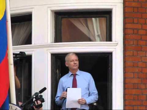 Julian Assange Thanks, Praises Ecuador in London Rally