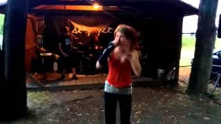 Video Defynyce - Závist - Live at Útulek (28.8.2015, Prague)
