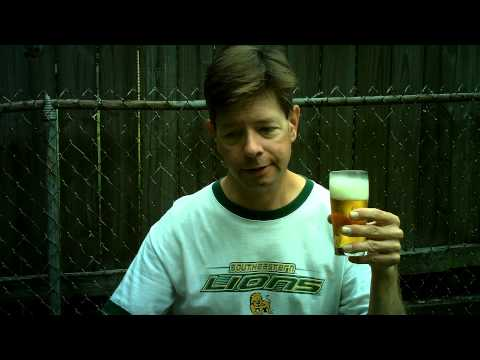 Louisiana Beer Reviews: Hurricane Malt Liquor (canned version)