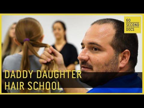 Papá que enseña sobre cómo peinar a su hija se vuelve viral