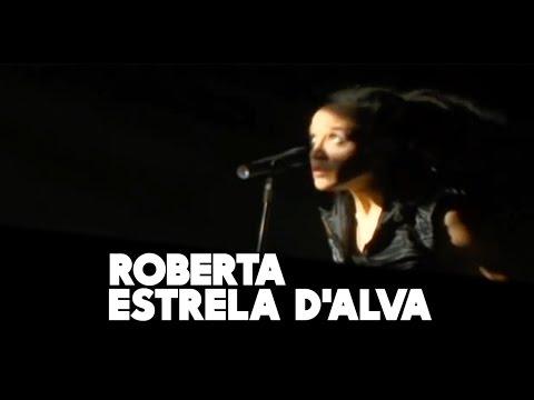 Roberta Estrela D'Alva fala sobre carreira, slam e racismo