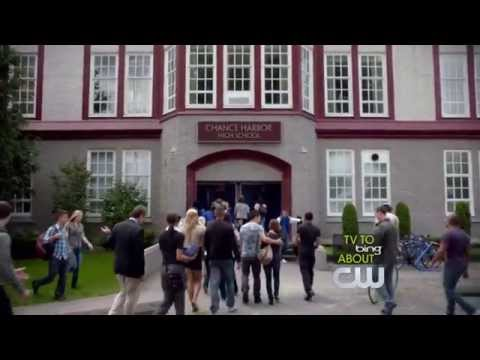 Cassie's first day of school - The Secret Circle 1x01