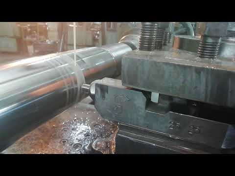 diamond burnishing of the long rod of the hydraulic cylinder (Oberflächen-Feinwalzen)