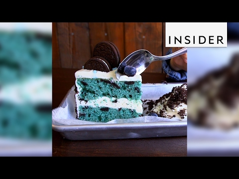 Snowdays in Brooklyn is all-in on blue desserts (видео)
