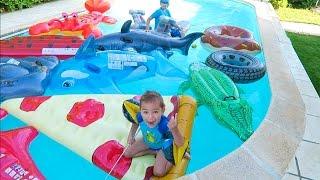 Video PÊCHE AUX SURPRISES DANS LA PISCINE - Surprises et Bonbons Cachés dans la piscine :) MP3, 3GP, MP4, WEBM, AVI, FLV Juni 2017