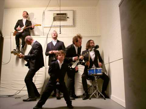 THE NATIONAL - SEA OF LOVE[MV]