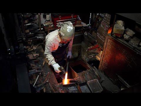 Japanische Messer schmieden – Meister Yoshikazu Ikeda