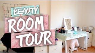 """Azulinas hermosas no se olviden de Suscribirse: http://bit.ly/RVBMREBueno chicos espero que les guste mi Room Tour! Amo mi espacio y espero que ustedes puedan ver ese amor!R E G L A S1. Estar suscrito a los 5 canales:Azu: https://youtu.be/yKFAoTnoilsMery: https://youtu.be/GiMfDZ8h2BgChuli: https://youtu.be/GN-9VN9Zy1EMajo: https://youtu.be/4CY-f4zHpx4Pri: https://youtu.be/Dk6ix-pbf-s2. Darle """"me gusta"""" a los 5 videos.3. Comentar en los videos (sorteos) que quieras participar!- Sorteo internacional.- Abierto hasta el 4 de Agosto 2017.- Si sos menor de edad por favor consulta con tus padres.- 1 Comentario por persona por favor.❤ Vamos a verificar que cada ganador haya seguido todas las reglas que mencionamos. El ganador lo anunciaremos en esta cajita de información el día 5 de Agosto de 2017. ¡Muchísima suerte a todos y gracias por participar! Los queremos ❤Nos hacemos amigos? Seguime:♥ Mi Instagram: http://instagram.com/azumakeup♥ Mi Snapchat: Azumakeup♥ Mi facebook: https://www.facebook.com/azumakeupofi...♥ Mi twitter: https://twitter.com/azumakeup♥ Suscribite: http://bit.ly/RVBMRE"""
