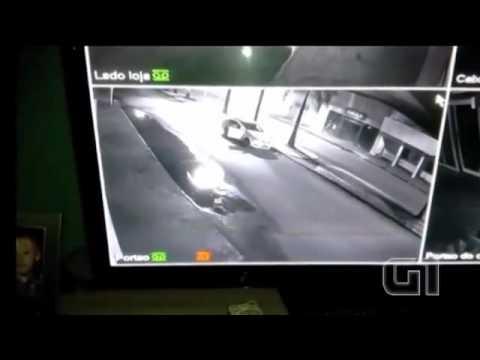 Criminosos explodem caixa eletrônico e fazem reféns em Acreúna, GO