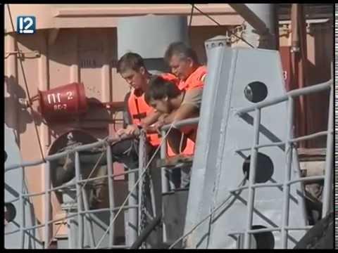 В Омске Иртыш спасали от нефтепродуктов