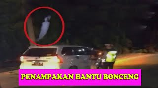 Download Video MERINDING  Penampakan HANTU diJalan Raya MP3 3GP MP4
