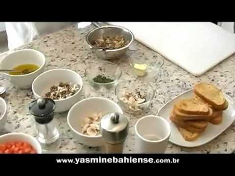 Bruschetta de tomate e manjericão e bruschetta de cogumelos