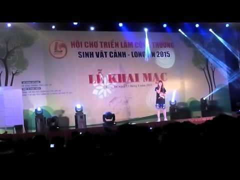Hạnh phúc mới - Hari Won tại Hội chợ Bắc Ninh