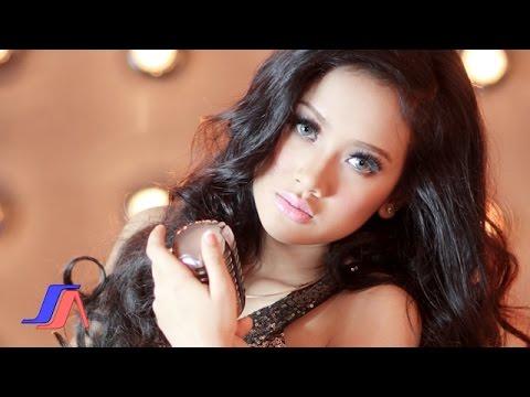 Download Video Sakitnya Tuh Disini - Cita Citata (Official Music Video)