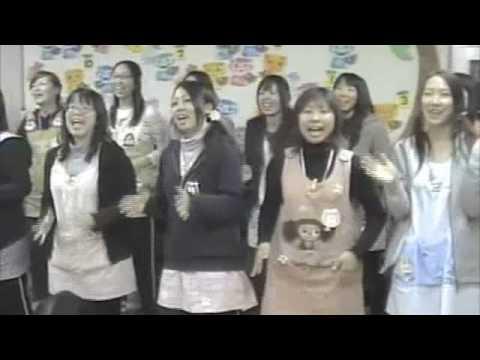 やなわらばー「ぷれぜんと」練習風景(都筑ヶ丘幼稚園)