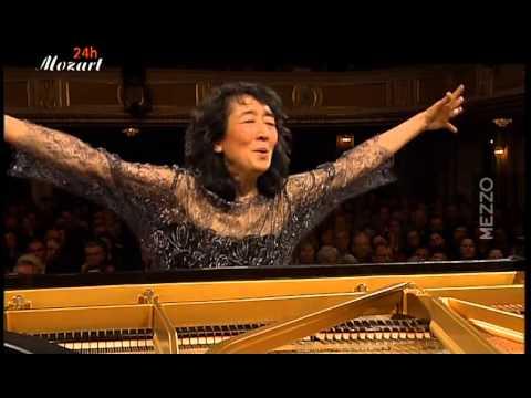Mozart - Concerto pour Piano no.20 K.466 (Uchida)