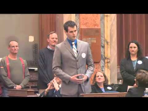 Zach Wahls Speaks About Family_Best news videos ever