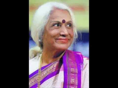 Thumari - Dr. Prabha Atre is indeed a grand dame of Hindustani Music... here she had rendered beautiful khamaj thumari Balam Chedo Mat ja.. its a live concert recordin...