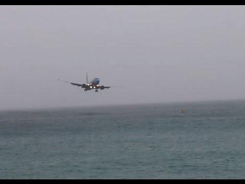 Espeluznante video: Un avión casi se estrella en el mar Caribe al intentar aterrizar en una isla