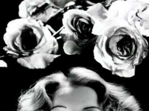 , title : 'Casta Diva - Maria Callas'