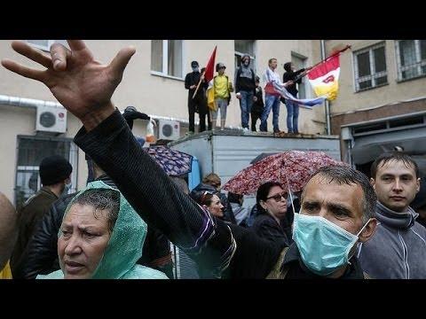 Ukraine : le siège de la police attaqué à Odessa