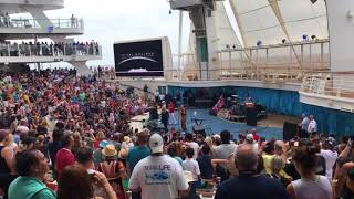 Bonnie Tyler singing Total eclipse of the heart on Oasis of The Seas, as part of the Total solar eclipse.