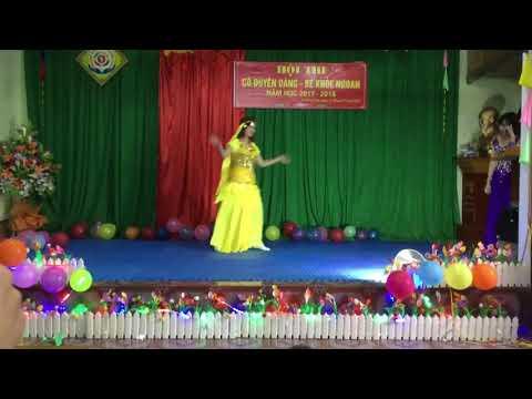 Tiết mục múa Ấn Độ của cô giáo Trần Thị Hằng