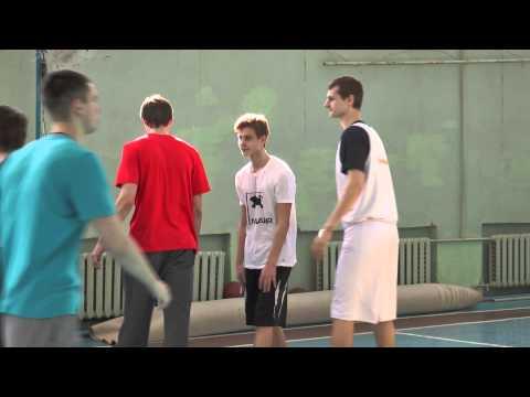 Урок баскетбола в школе №46