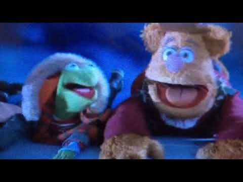 Muppets fall off the airplane ✈️