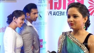 Download Video Mohammed Nazim, Firoza and Giaa  Manek- Ahem,Kinjal and Ex-GOPI at Gold Awards MP3 3GP MP4