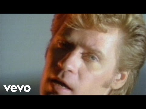 Daryl Hall & John Oates - Maneater video