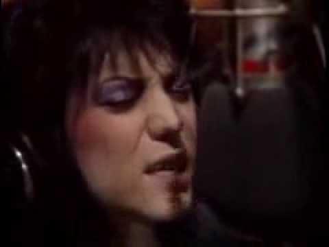 Tekst piosenki Joan Jett - I Can't Control Myself po polsku
