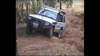 Land Rover Discovery 2 Doing Camp Rd @ Land Cruiser Park