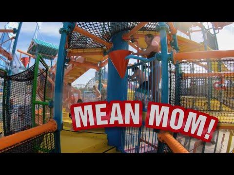 Raining Buckets at Cedar Point Shores Water Park (видео)