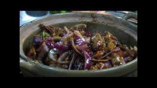 Huanggang China  city photos gallery : This is China (TIC) - Clay Pot Chicken at HuangGang Village