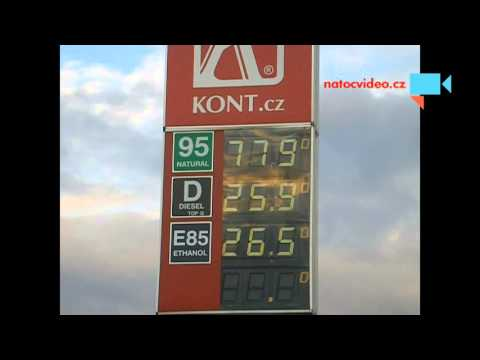 Jak se zlevňuje u nás benzín