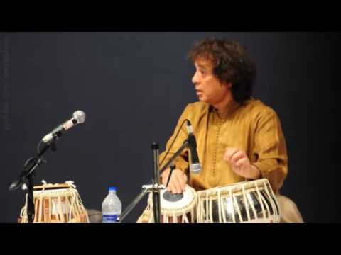 Video Ustad Zakir Hussain Solo at GuruPurnima 2016 download in MP3, 3GP, MP4, WEBM, AVI, FLV January 2017